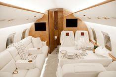Perfect white tone interior in private jet, business jet – ::LUXURY TID Luxury Jets, Luxury Private Jets, Luxury Yachts, Small Private Jets, Private Plane, Private Jet Interior, Luxury Helicopter, Aircraft Interiors, Luxury Interior Design