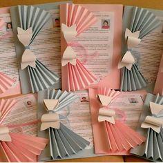 Decora fácilmente una carpeta o folder y úsala para entregar documentos escolares como diplomas, boletas o buenos reportes de una manera mu...