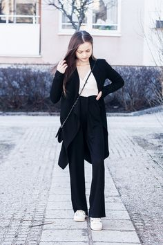 http://nouw.com/bellss #fashion #outfit #spring #palazzo #pants #black #trousers #trenchcoat