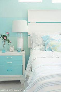 🌟Tante S!fr@ loves this📌🌟turquoise beach house bedroom Beach Bedroom Decor, Beach House Bedroom, Beach Cottage Decor, Home Bedroom, Master Bedroom, Bedroom Ideas, Beach Room, Bedroom Designs, Coastal Decor