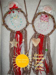 Caçadores de sonhos para menina. Em lã, madeira e com anjo em tecido. Dezembro de 2015