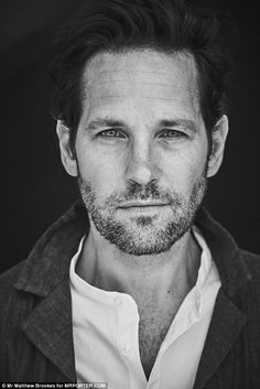 Paul Rudd Reveals Why He Doesn't Want To Be Called Nice!: Photo Paul Rudd looks so handsome in a photo from his spread in Mr. Porter's latest issue, available now. Here's what the actor had to share with the… Pretty Men, Beautiful Men, Beautiful People, Beautiful Pictures, Paul Rudd Ant Man, Paul Rudd Young, Ant Man Scott Lang, Most Stylish Men, Justin Theroux