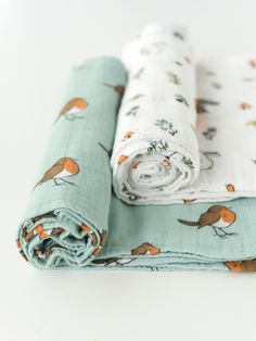 Cotton muslin swaddle blankets set organic large - Woodland and Robin Baby Shower Gifts, Baby Gifts, Fabric Photography, Muslin Swaddle Blanket, Textiles, Baby Accessories, Baby Shop, New Baby Products, Cotton Muslin
