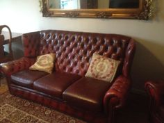 Oxblood Chesterfield red leather sofa High back style classic Classic House, Classic Style, Chesterfield Chair, Armchair, Leather Sofa, Red Leather, Oxblood, Sofas, Accent Chairs