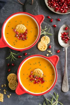 Rosemary sweet potato cream soup with cheese crunch - Soup Recipes, Vegetarian Recipes, Cooking Recipes, Healthy Recipes, Veggie Soup, Vegetable Dishes, Healthy Dishes, Healthy Cooking, Vegan