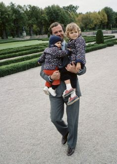 King Carl Gustaf of Sweden with his childs