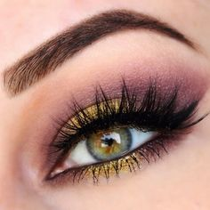 Makeup Geek's Liquid Gold pigment and eyeshadow in Drama Queen!