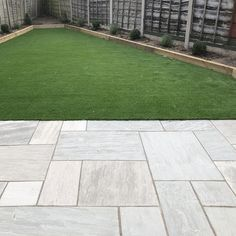 Mint Smooth Sawn & Honed Mixed Size Patio Packs - inc VAT & FREE Nationwide Delivery - Cheshire Sandstone Garden Slabs, Patio Slabs, Patio Tiles, Garden Paving, Block Paving Patio, Patio Flooring, Back Garden Landscaping, Backyard Patio Designs, Outdoor Landscaping