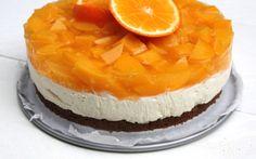 Een recept om thuis makkelijk een fijne monchoutaart te maken met sinaasappel en perzik.