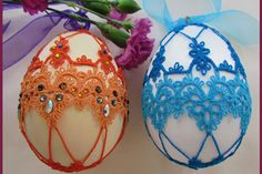 Find Easter Egg Craft Ideas and Designs.Collection of Easter egg Craft Ideas and Designs and let your imagination run wild with these craft &decorating ideas. Easter Egg Crafts, Easter Eggs, Fun Crafts, Diy And Crafts, Family Holiday, Holiday Decor, Easter Crochet, Egg Art, Lace Ribbon