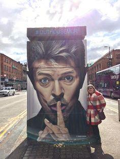 David Bowie – Street Art Tribute – Street art and graffiti magazine – streetart Murals Street Art, 3d Street Art, Urban Street Art, Graffiti Murals, Amazing Street Art, Art Mural, Street Art Graffiti, Street Artists, Amazing Art