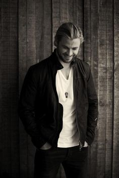 Chris Hemsworth Outtakes for Empire Magazine 2012. That Smile!