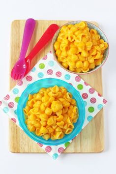 Sneak some veggies into your kids meal with this delicious Butternut Squash Mac and Cheese recipe. Great for toddlers and baby weaning too! | My Fussy Eater blog
