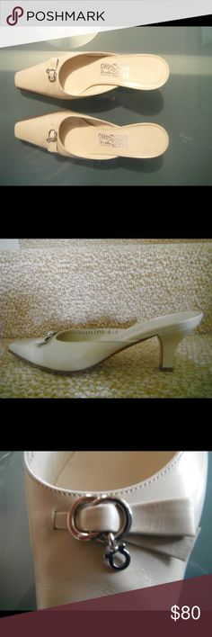 SALVATORE FERRAGAMA WOMENS SHOES Original Ferragamma womens shoes SIZE 7, made in Italy 7376-C552 with very little signs of wear. Salvatore Ferragamo Shoes Heels