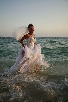 trash the dress - ocean