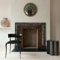 The beautiful fireplace at Willer Gallery, London. Living Room Inspiration, Fireplace Design, Furniture, Residential Interior, Interior, Classic Living Room, Home Decor, Interior Architecture, Fireplace