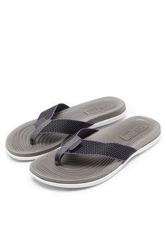 6b8077e29445ce sandal · Chinelo Beira Rio Logo Cinza