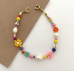 Bead Jewellery, Beaded Jewelry, Handmade Jewelry, Beaded Necklaces, Jewelry Bracelets, Handmade Bracelets, Jewelry Findings, Bracelet Designs, Necklace Designs