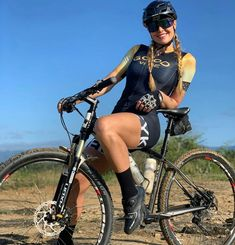 Female Cyclist, Cycling Girls, Bicycle Girl, S Girls, Triathlon, Bike Clothing, Instagram, Lady, Bike Stuff