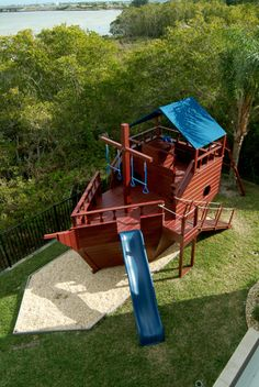 A very nice sailboat play structure. This would be soooo cool to have! - Rebecca Baier - A very nice sailboat play structure. This would be soooo cool to have! A very nice sailboat play structure. This would be soooo cool to have! Backyard Fort, Backyard Playset, Backyard Playground, Backyard For Kids, Playground Ideas, Outside Playhouse, Backyard Playhouse, Build A Playhouse, Outdoor Play Areas