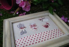 Petit tableau cuisine Le Point, Hand Embroidery, Cross Stitch, Scrapbook, Frame, French Kitchen, Crafts, Compliments, Couture
