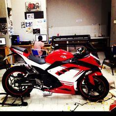 Kawasaki 250, Ninja Bike, Yamaha Bikes, Motor Sport, Bike Life, Cars And Motorcycles, Honda, Bikers, Vehicles