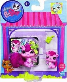 littlest pet shop playset mother and baby - Magic Motion Squirrel & Baby