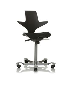 HAG Capisco Puls Saddle Seat is designed for active, nontraditional sitting, responding to search for comfort, movement, and self-expression. Boardroom Chairs, Office Chairs, Office Furniture, Office Desk, Ergonomic Office Chair, Desk Chair, Aluminium, Fall Decor, Interior Design
