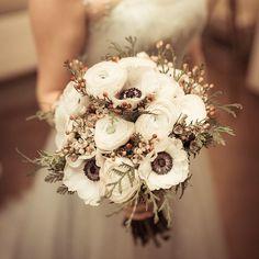 Buona settimana a tutti   #Event_ualmente #weddingplanner #bouquet #sposa #anemoni #matrimonio #Lecco