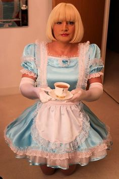 Sissy Hypnosis maid Isla really wants you to enjoy you cup of tea, one lump or two?