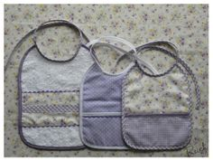 Conjunto lila para Carla: pechitos grandes Pot Holders, Lunch Box, Baby Sewing, Scrappy Quilts, Lilac, Hot Pads, Potholders, Bento Box