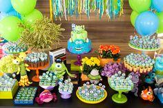 Venha se apaixonar por esta linda e criativa Festa Monstros SA. Decoração A Matinée. Lindas ideias e muita inspiração. Bjs, Fabiola Teles.           ...