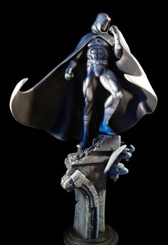 Moonknight Statue  Sculpted by: Kucharek Brothers    Release Date: March 2006  Edition Size: 1000