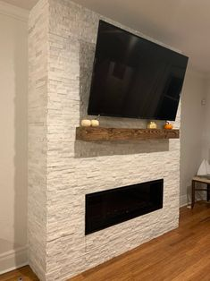 Excellent Pic rustic Fireplace Mantels Style – Rebel Without Applause Modern Mantle, Rustic Fireplaces, Living Room With Fireplace, Wood Fireplace, Mantle Decor, Rustic Wood, Fireplace Mantels, Rustic Fireplace Mantels, Fireplace