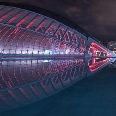 Calatrava's L'Hemisferic  (...)