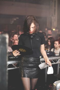 Nina Kraviz @ The Forum Aberdeen for Bigfoot's Tea Party X Minival 2014 Music Girl, Dance Music, Music Is Life, Dj Techno, Techno Party, Techno House, Vinyl Music, Vinyl Records, Cultura Rave