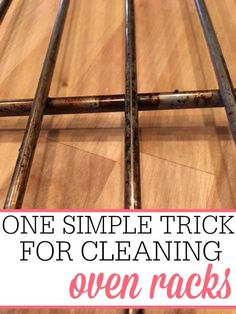 Tired of dirty oven racks? Check out this easy no-scrub trick for cleaning oven racks. You can clean oven racks without a bunch of scrubbing. Deep Cleaning Tips, House Cleaning Tips, Cleaning Solutions, Spring Cleaning, Cleaning Hacks, Diy Hacks, Cleaning Closet, Cleaning Products, Cleaning Oven Racks