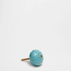 Tirador Zara Home. 3,99€. Medida aproximada del pomo: 4 x 3,5 cm