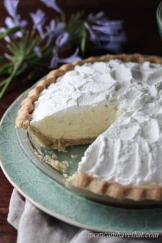 Low Carb Banana Cream Pie | low carb, gluten-free, keto | momcanihavehetat.com