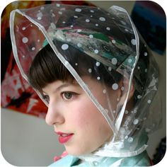 Rain bonnet: want this for my rainy days in Holland!!