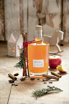 Quick baked apple liqueur You are in the right place about healthy food summer Here we offer you the most beautiful pictures about the healthy food art you are looking … Cranberry Juice Cocktail, Sour Cocktail, Cocktail Drinks, Cocktail Recipes, Smoothie Bowl, Smoothie Recipes, Torte Recipe, Vodka Cocktails, Old Fashioned Recipes