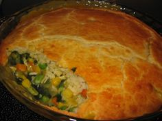 Easy Bisquick Chicken Pot Pie - have made this a few times including tonight for supper . easy and yummy! Bisquick Pie Crust, Bisquick Recipes, Chicken Pot Pie Crust, Chicken Pot Pie Casserole, Casserole Recipes, Casserole Dishes, Brunch, How To Cook Chicken, Recipes