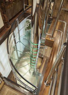 Escada executada para um Iate, o hemisphere 140, um projeto realmente especial
