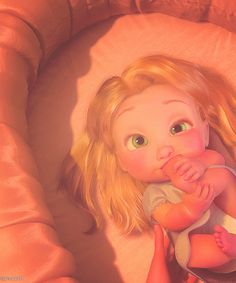 little baby rapunzel Disney Princess Pictures, Disney Pictures, Cute Disney Characters, Disney Icons, Cute Cartoon Pictures, Disney Background, Disney Phone Wallpaper, Disney Rapunzel, Disney Aesthetic