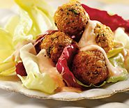 Falafels sur feuilles de salade