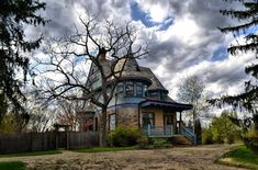 10 Creepy Houses In Ohio That Could Be Haunted