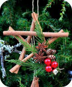 DIY xmas tree ornament made of cinnamon sticks !  #xmas2015 #xmasdiy #diy #doityourself #xmastreedecor #tospitakimou