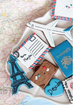 Cookies for travel :) Iced Cookies, Royal Icing Cookies, Cupcake Cookies, Cupcakes, Cookie Icing, Travel Cake, Travel Party, Cookie Designs, Cookie Ideas
