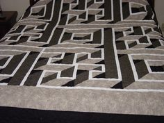 Labyrinth Walk Quilt - Think I might get lost doing this quilt.