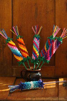 Bibułkowy ogródek Jolenty: Palmy Paper Flower Backdrop, Paper Flowers, Polish Easter Traditions, Diy And Crafts, Crafts For Kids, Quilling Designs, Kids Decor, Easter Crafts, Origami